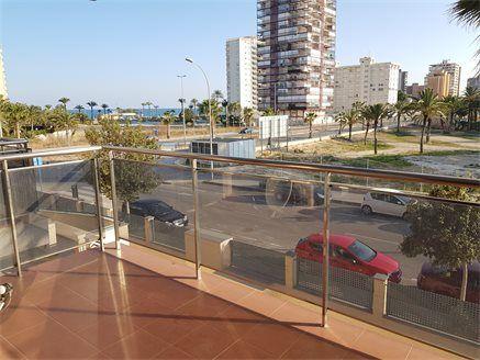 Продается шале в Плая Сан-Хуан (Аликанте, Испания) на первой линии моря